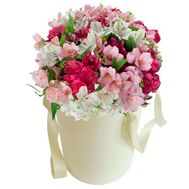 Alstroemeria in a hat box - flowers and bouquets on vambuket.com