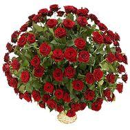 Корзина квітів з 101 червоної троянди - цветы и букеты на vambuket.com