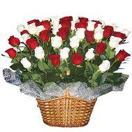 Корзина квітів із 45 імпортних троянд - цветы и букеты на vambuket.com