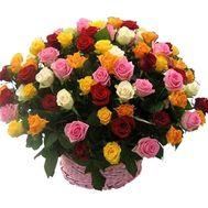 Корзина цветов из 75 разноцветных роз - цветы и букеты на vambuket.com