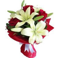 Bouquet of flowers from 4 roses and 1 lily - flowers and bouquets on vambuket.com