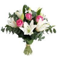Bouquet of flowers from 3 roses and 2 lilies - flowers and bouquets on vambuket.com