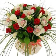 Bouquet of flowers from 15 roses and 12 orchids - flowers and bouquets on vambuket.com