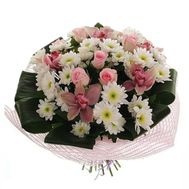 Bouquet of flowers from 5 roses, 5 orchids and 9 chrysanthemums - flowers and bouquets on vambuket.com