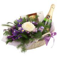 Новогодняя подарочная корзина - цветы и букеты на vambuket.com