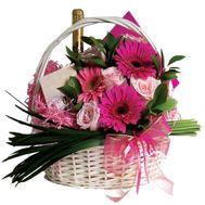 Подарочная корзина на Новый год - цветы и букеты на vambuket.com