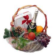 Подарочная корзина на Рождество или Новый Год - цветы и букеты на vambuket.com