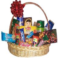 Gift basket of sweets - flowers and bouquets on vambuket.com