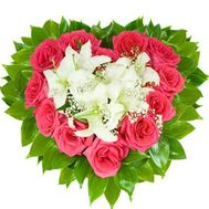 Heart of roses and lilies - flowers and bouquets on vambuket.com