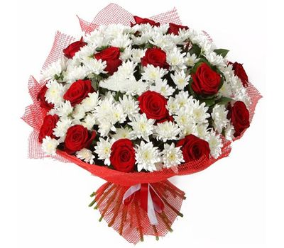 """""""Bouquet of flowers from 15 roses and 16 chrysanthemums"""" in the online flower shop vambuket.com"""