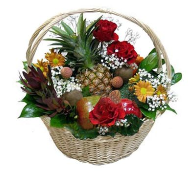 """Fruit and flower basket"" in the online flower shop vambuket.com"