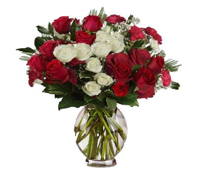 """""""New Year bouquet of roses and spruce branches"""" in the online flower shop vambuket.com"""