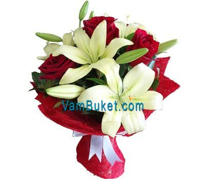 """""""Bouquet of flowers from 4 roses and 1 lily"""" in the online flower shop vambuket.com"""