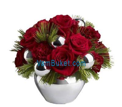"""""""Новогодняя композиция с розами и игрушками"""" в интернет-магазине цветов vambuket.com"""